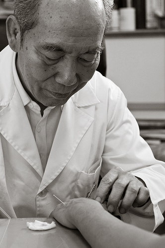 Acupuncture physician